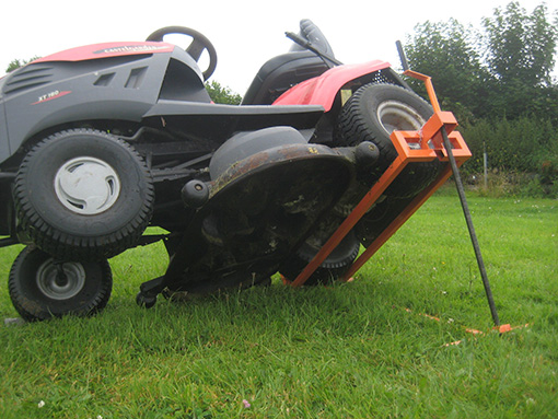 Mower lift