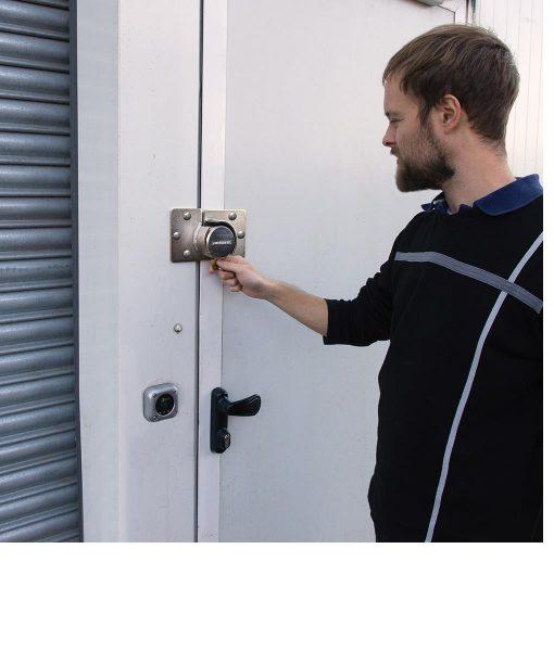 van lock and hasp